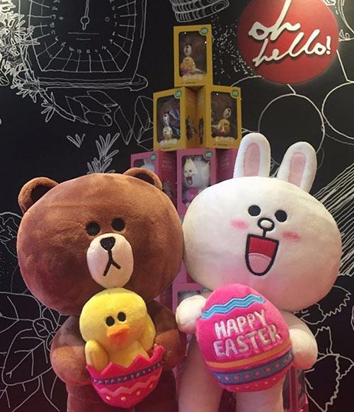 必胜客布朗熊和可妮兔公仔